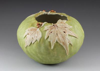 Spring Green Ivy leaf pot